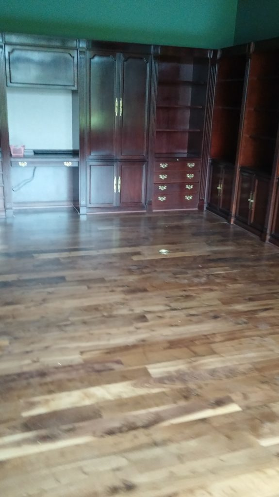 Dustless refinishing hardwood floors